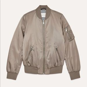 Aritzia The Group by Babaton Gilman Bomber green